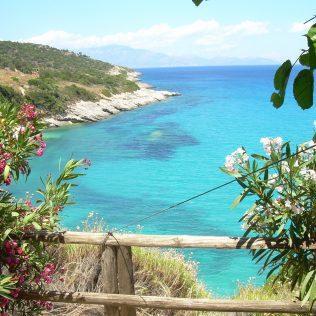 Wunderschöne Aussicht von einem Steg auf Zakynthos